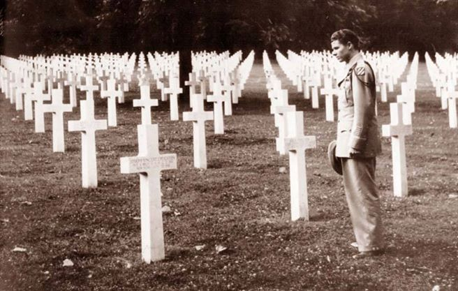 In my opinion, an extremely powerful picture of the sacrifices of war. World War II veteran Audie Murphy, one of the most decorated soldiers in American history.