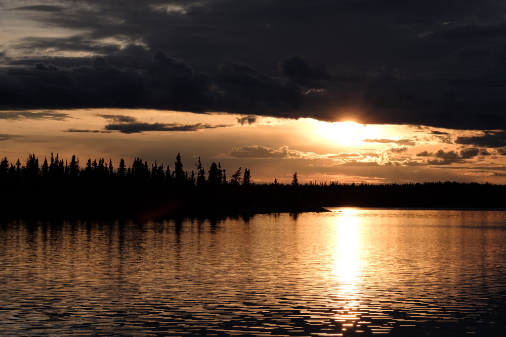 A Yellowknife Sunset 10:45 pm  XF50-140 F2.8 ISO200 140mm F14 F1/125