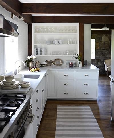 cki+country+estate+kitchen+long+shot+wm.jpg