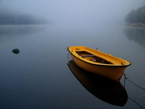 stillness-boat-the-art-of-living-blog-1.jpg