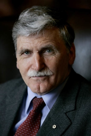Dallaire -Nov 2008 - Photograph Laura Leyshon.JPG