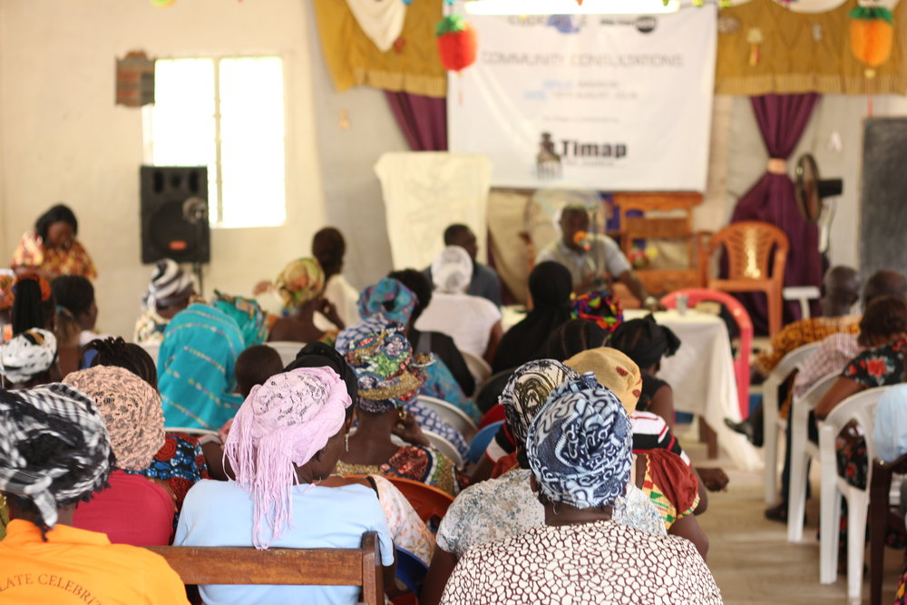 Community members take part in a Community Consultation in Sierra Leone. ( Photo: ©AIDS-Free World )