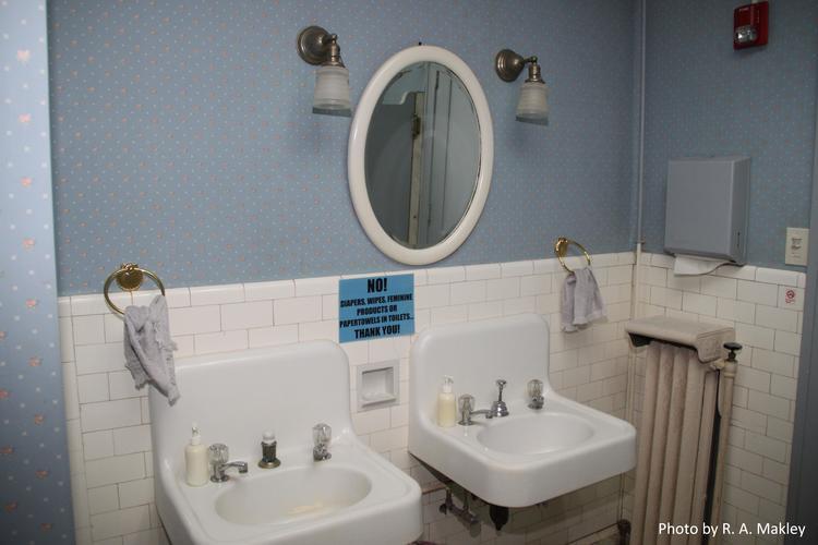 Men\'s Room — The Dayton Woman\'s Club