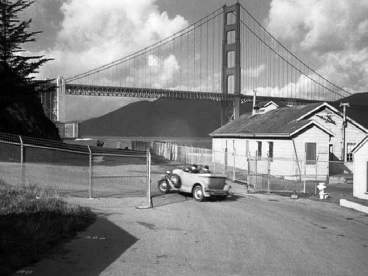 Dark Passage - Through the Presidio to the Bridge