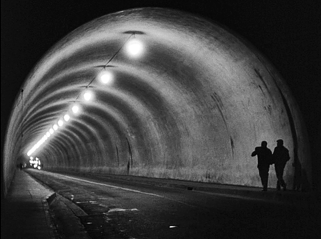 8 - tunnel 3.jpg