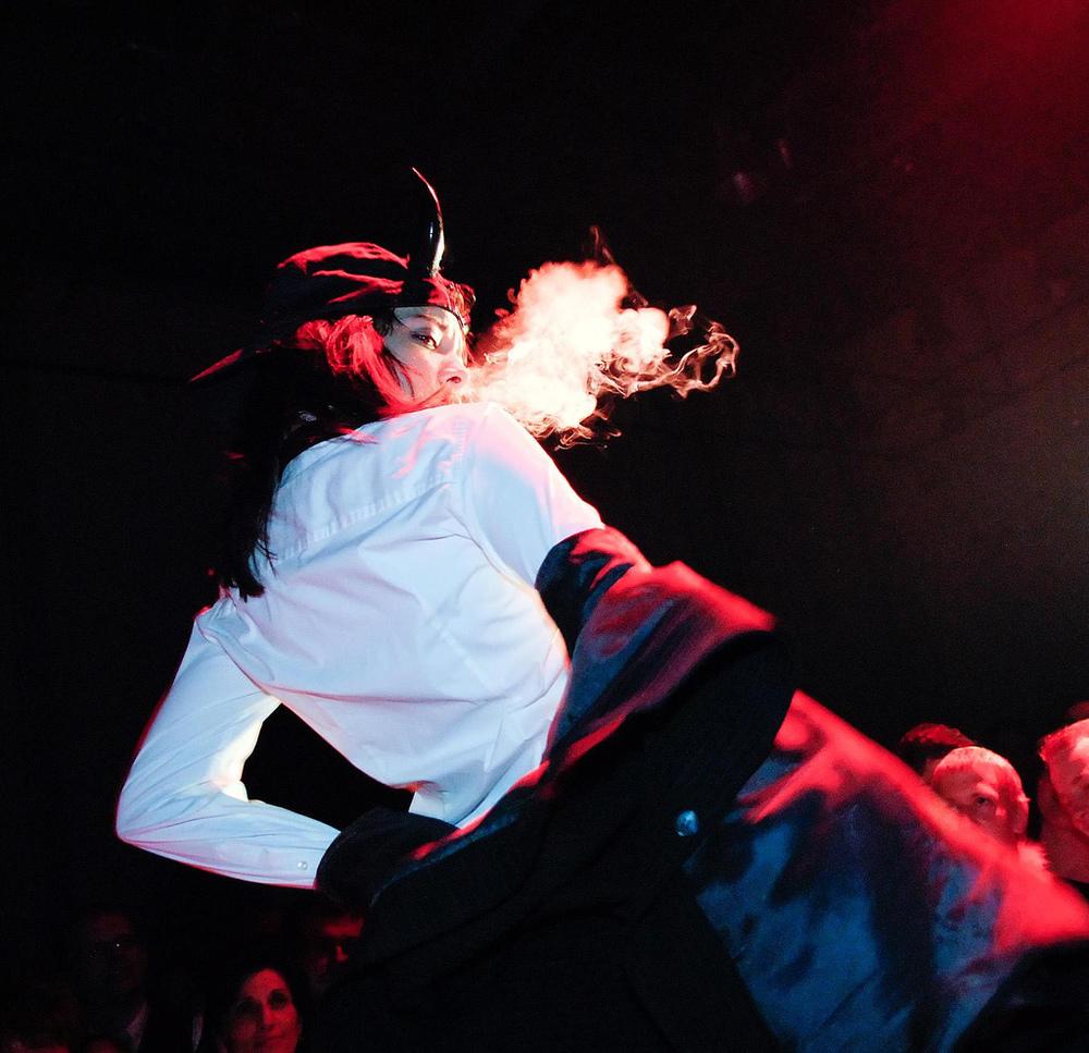ACDC burlesque show - Diamondback Annie - by Ben Zurbriggen