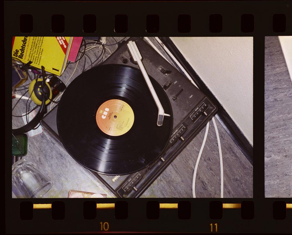 Arwed Messmer Stammheim #12, Zelle 720 (Ensslin), 1977/2016 [AM_RAF_STH_STA_LB_EL_51/3_679_FILM_EN_01_NEG_10] aus: RAF – NO EVIDENCE / KEIN BEWEIS
