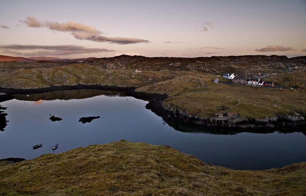 Above Sgadabhagh, Loch na Linne & Loch Sgadabhagh,       D7000/16-85mm