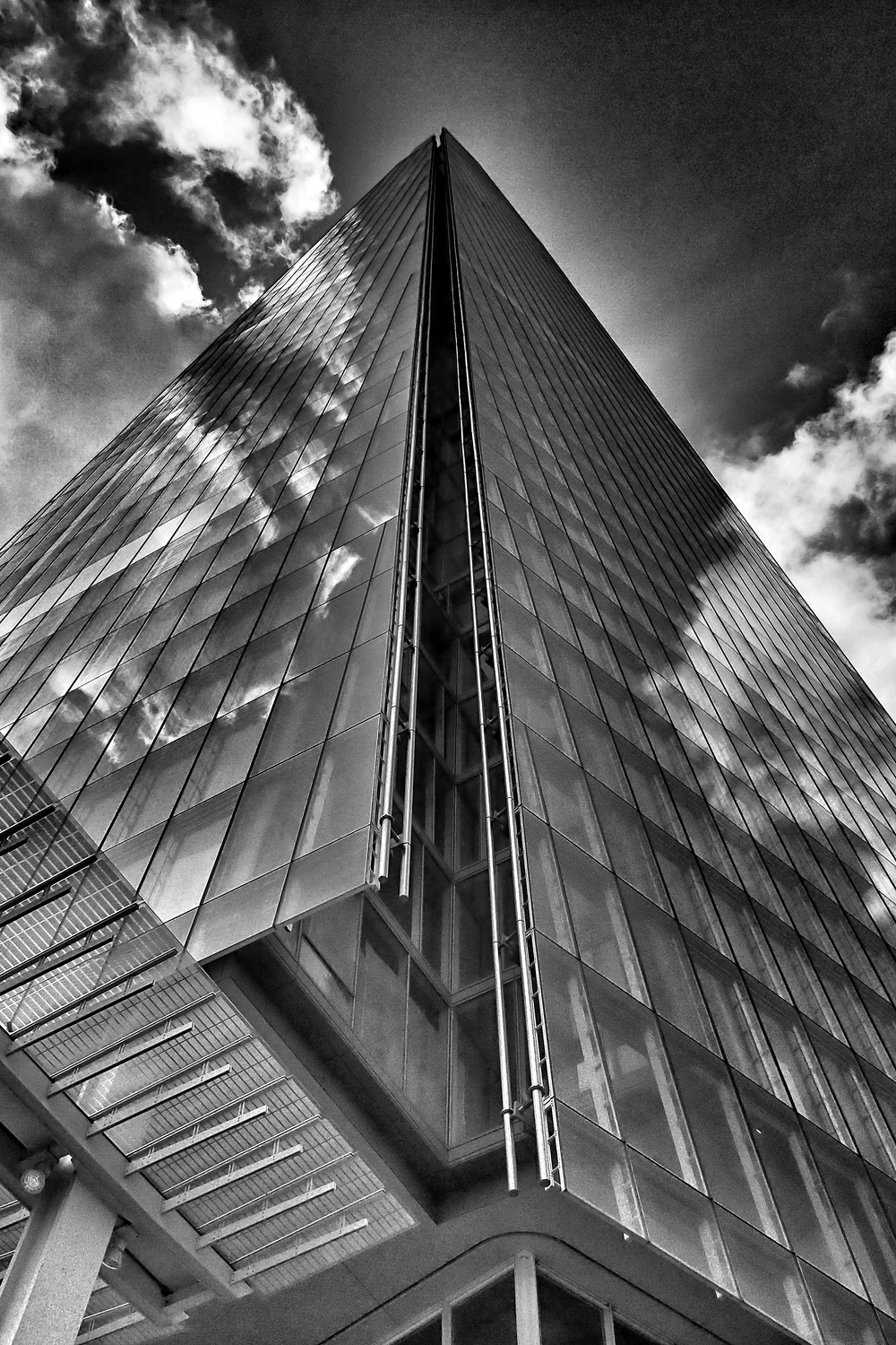 Shard B&W Reflections, EP-3 Lumix 20mmf1.7