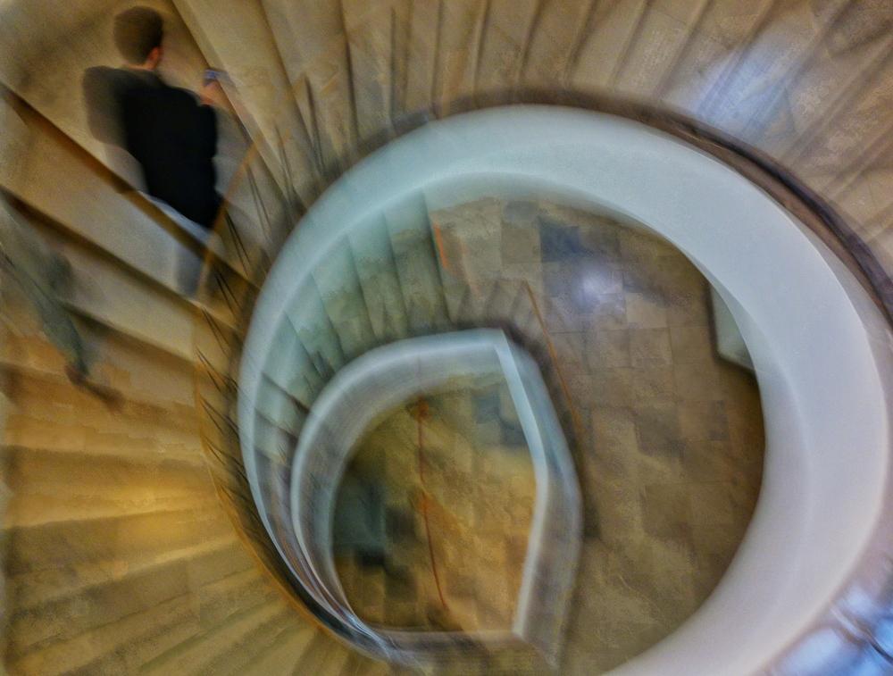 Warsaw:  Wilanów  ; Dizzy Stairs