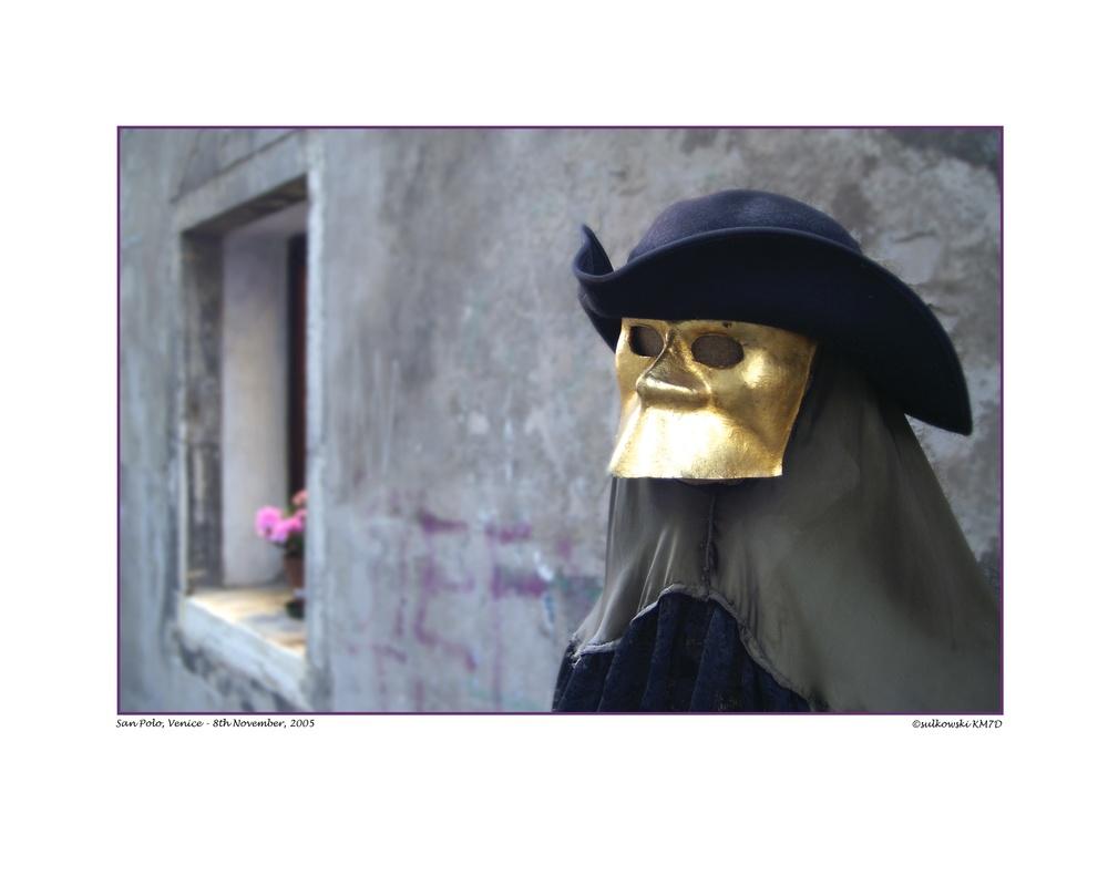 San Polo Masked Man_VENICE.jpg