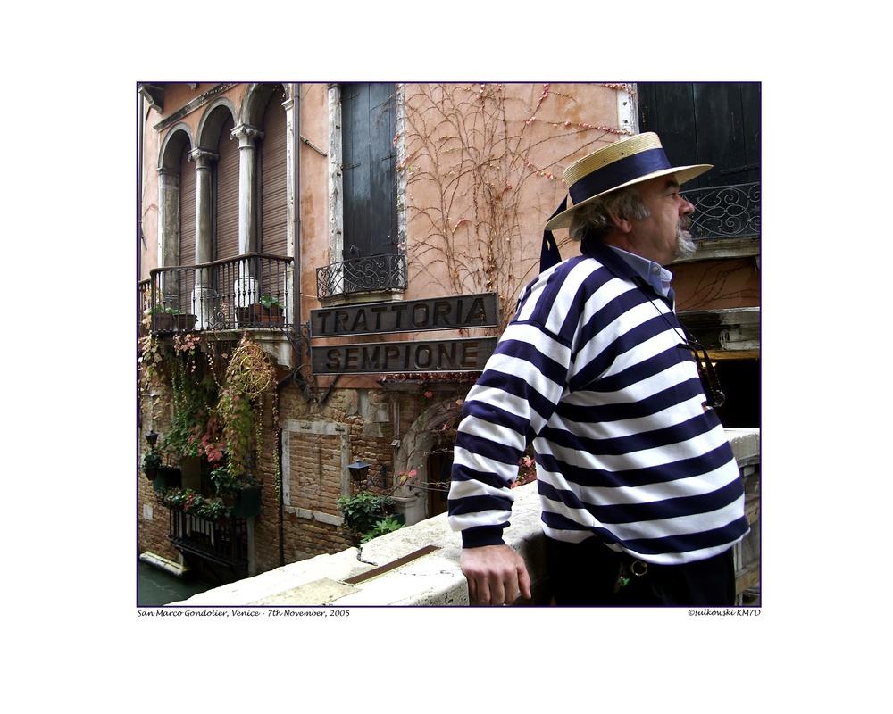 Gondolier Sempione_Venice.jpg