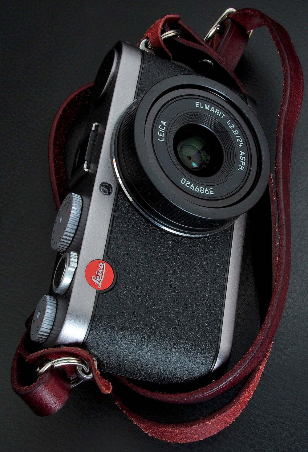The Leica X1