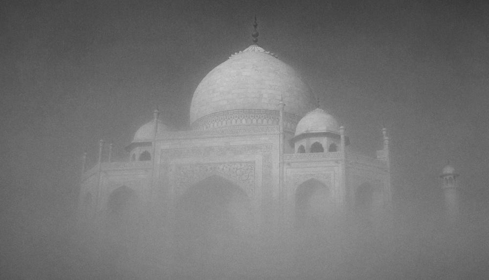 Taj Mahal Day2 35B&W.jpg