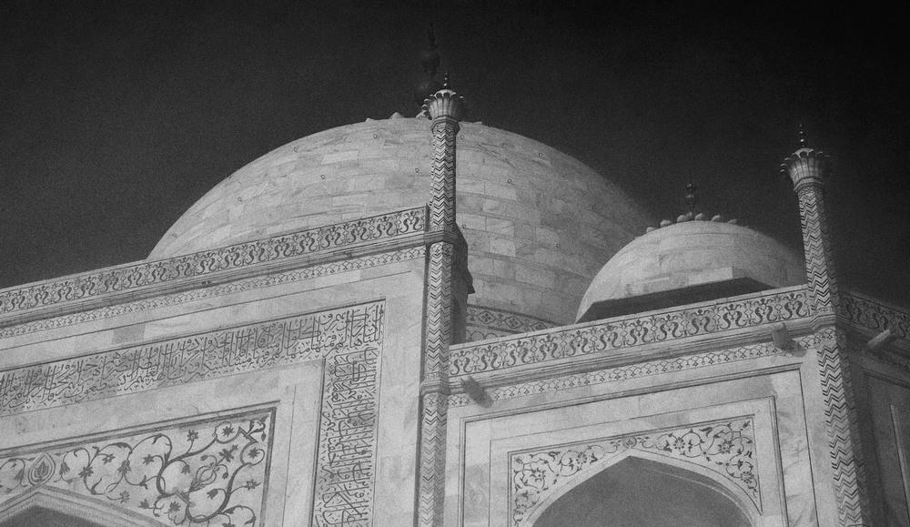 Taj Mahal Day2 36B&W.jpg