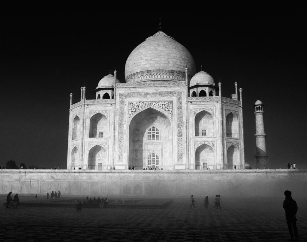 Taj Mahal Day2 13 B&W2.jpg