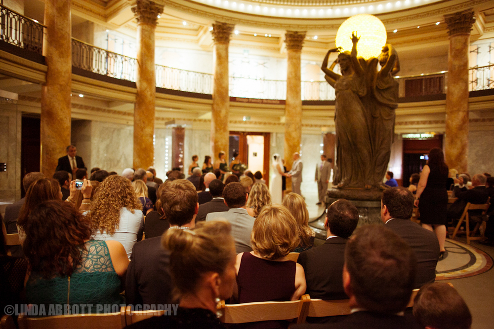 NHM_wedding_rotunda_LindaAbbott.jpg