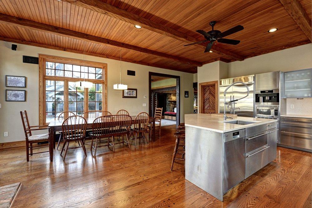 20 Island - Kitchen 043.jpg
