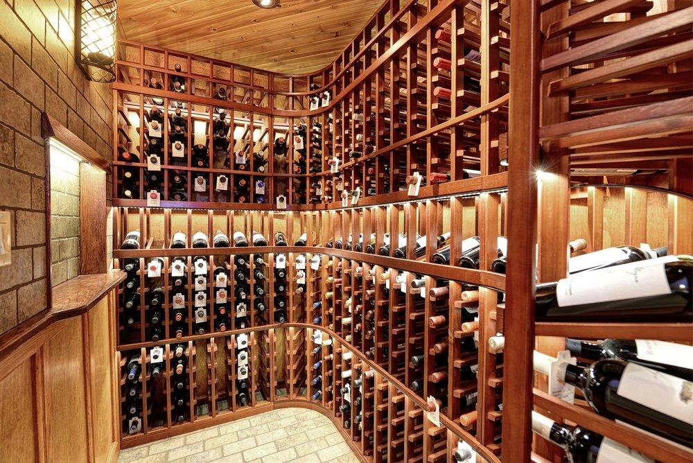 20 Island - Wine Closet 039.jpg