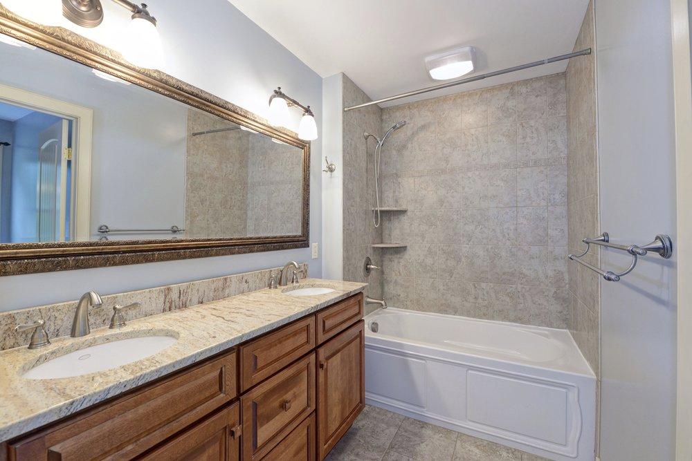 75 Millwood - Bathroom 0152.jpg
