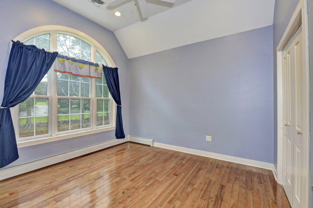 75 Millwood - Bedroom 0148.jpg