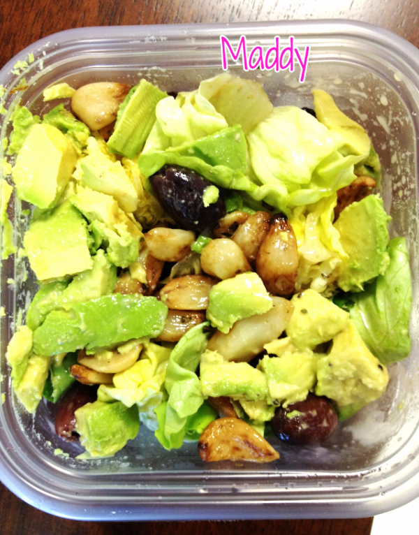 Avocado, roasted garlic, olives, mustard/vinegar dressing. Fiber-rich, anti-inflammatory, loaded with Omega-3's. Awesome choice.