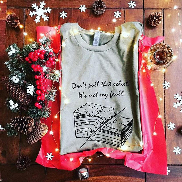 Tag a geology lover who would love this pun: Don't pull that schist! It's not my fault! . There's still time to get your science apparel for the holidays! We are open until 12/18! Everything is available via the link in our bio.