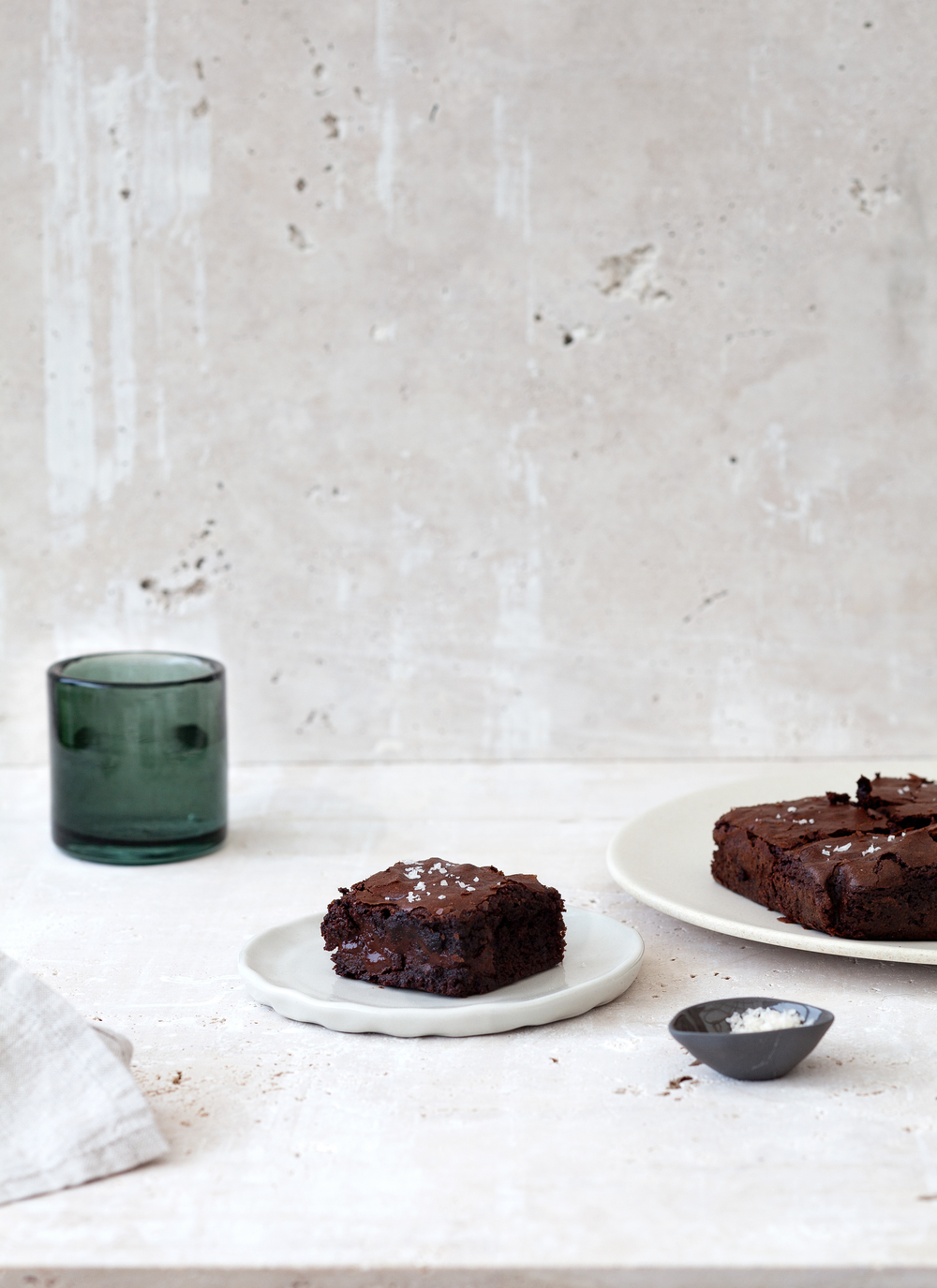 Dark Chocolate Chunk Sea Salt Brownies Photography by  Elisa Watson , Styling by Kate Bradley (Kenkō Kitchen). // Kenkō Kitchen