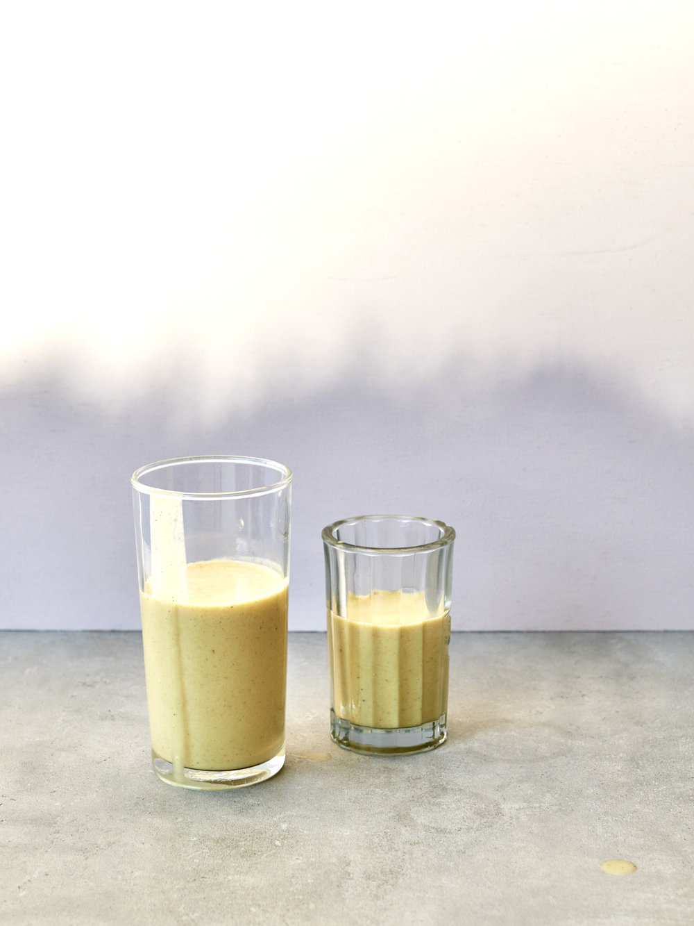 Golden Mylk Smoothie // Kenkō Kitchen. Photography by  Elisa Watson , styling by Kate Bradley (Kenkō Kitchen).
