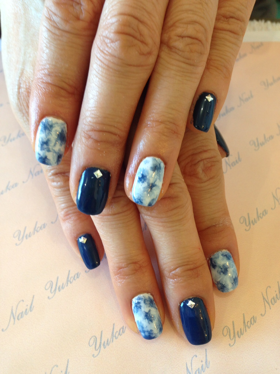 Sodalite gel mani is for protection!