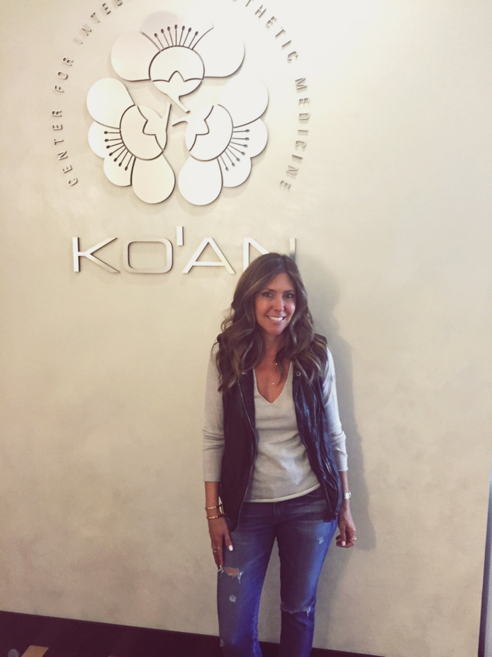One of my favorite go-to places for body and face treatments is The KO'AN center located at 1301 20th Street, Suite 150A, Santa Monica. This beautiful center for integrated aesthetic medicine offers a variety of services for body and face restyling.
