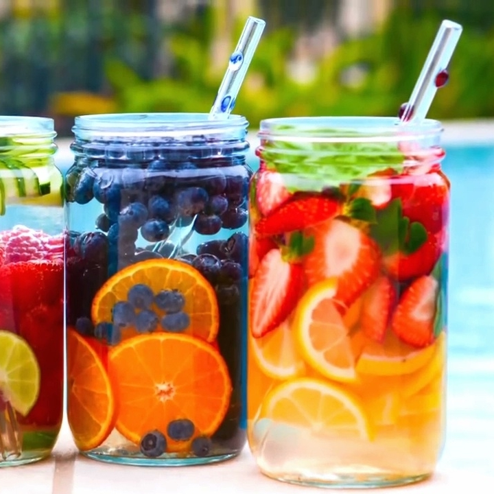 Don't Like Water? Hydrate With These 0-15 Calorie Drinks