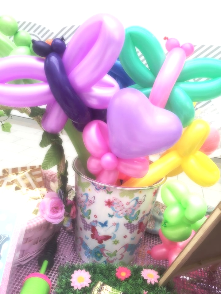 Balloon Bucket.jpg