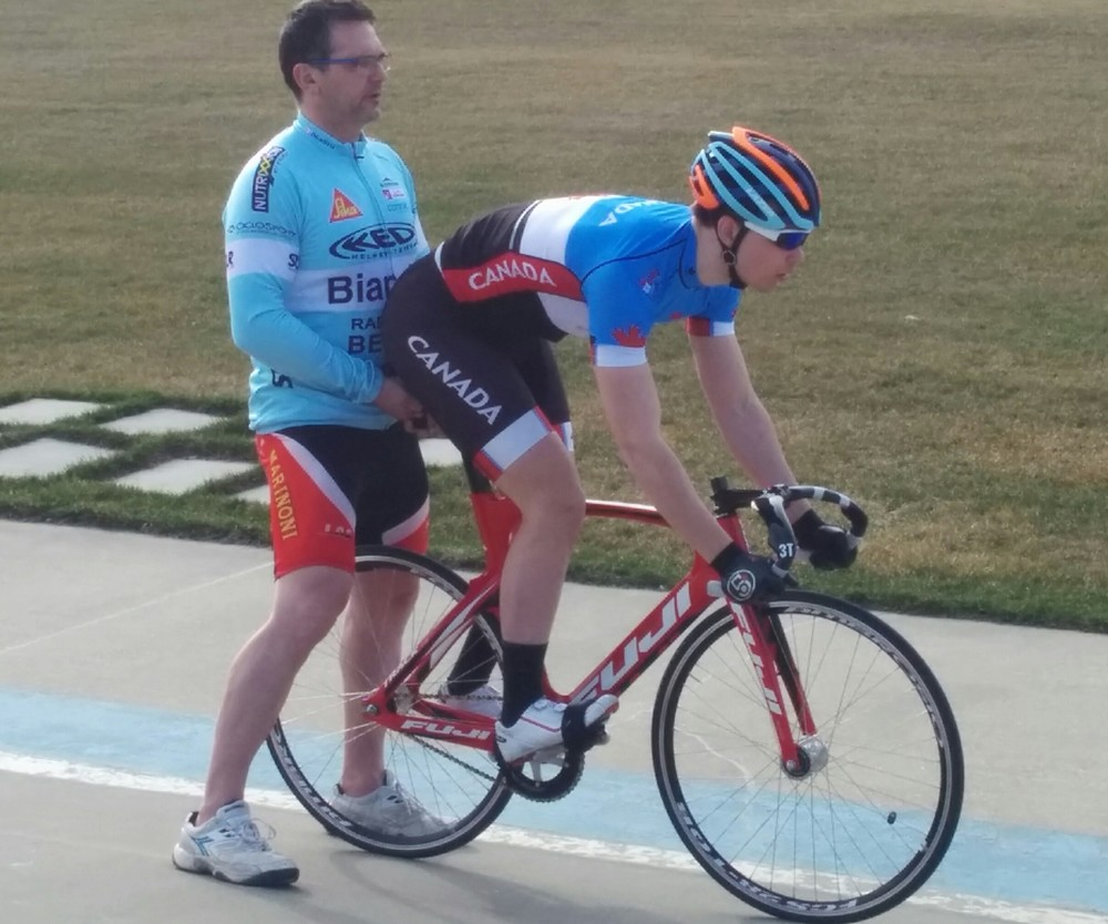 Alex Ongaro holds Stefan for start practice - Argyll Velodrome