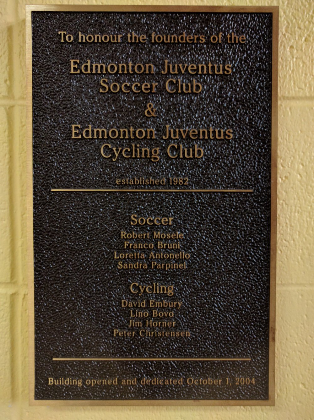 A bronze plaque at the Argyll Velodrome commemorates club founders -