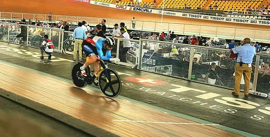 Stefan Ritter qualifies for the 1 km TT final.