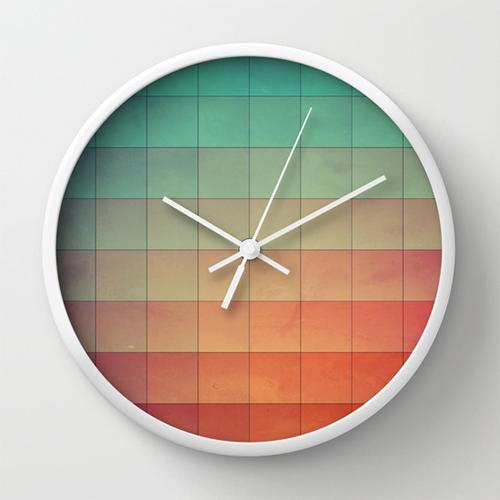 cyvyryng clock