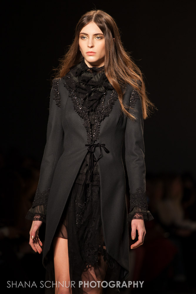 Reem-Acra-New-York-Fashion-Week-Fall-Winter-2015-Shana-Schnur-Photography-003.jpg