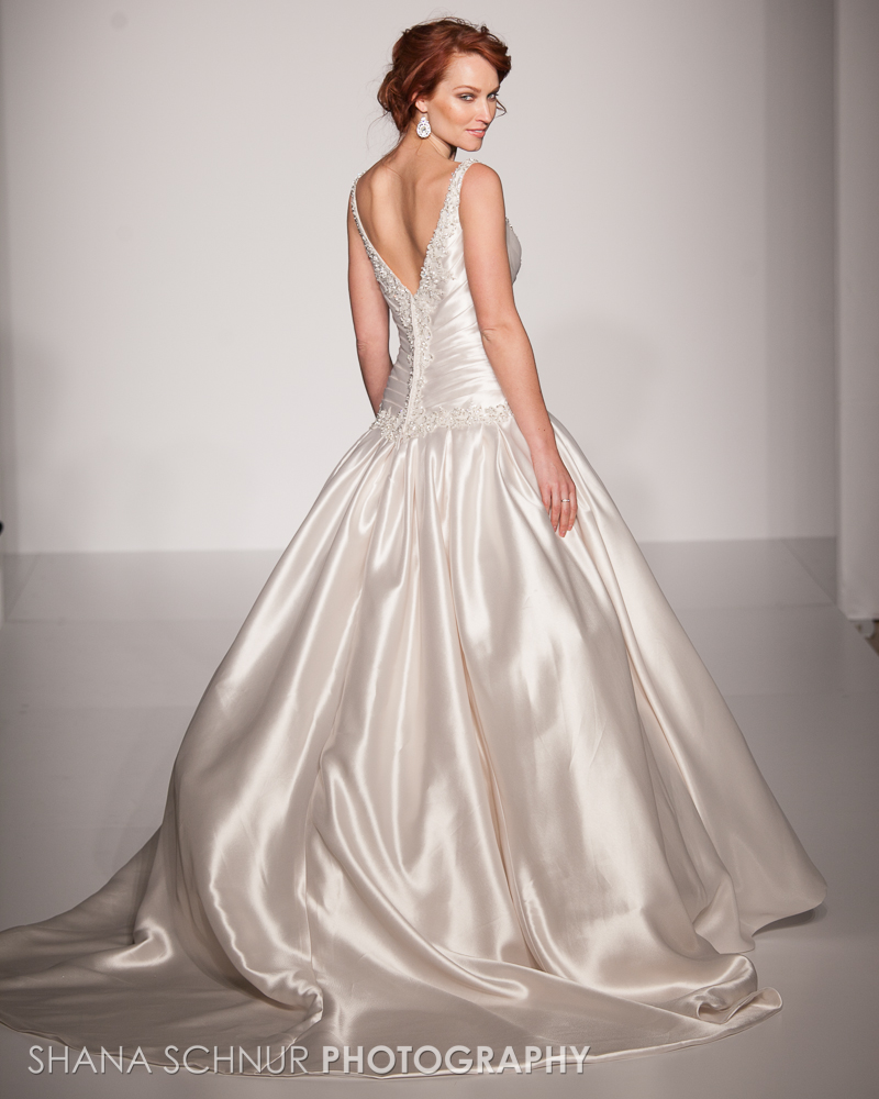BridalMarket4-19-2015-New-York-Bridal-Fashion-The-Knot-Couture-Runway-Show-Maggie-Sottero-Shana-Schnur-Photography-003.jpg
