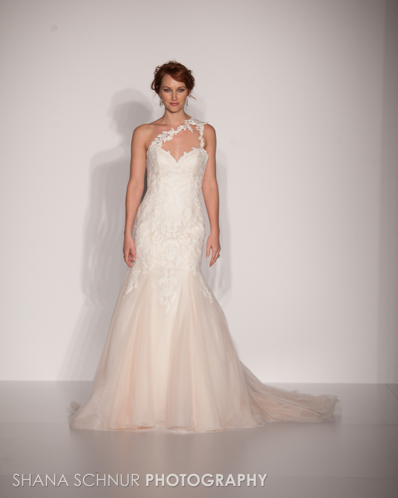 BridalMarket4-19-2015-New-York-Bridal-Fashion-The-Knot-Couture-Runway-Show-Maggie-Sottero-Shana-Schnur-Photography-020.jpg