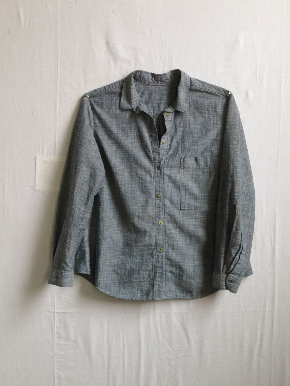 An Archer shirt, pattern by Jen Beeman of Grainline Studio, in chambray from Robert Kaufman.