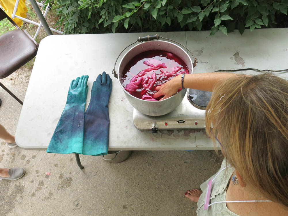 Gloves, dyepot, Mona.jpg