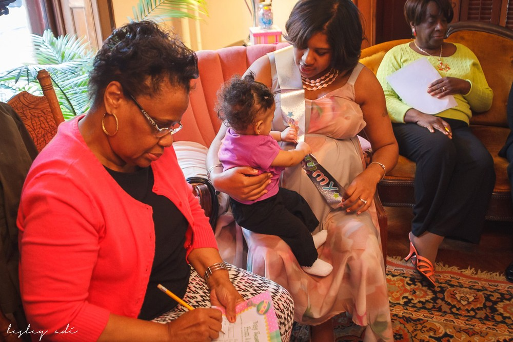 baby shower_lesleyadephoto-60.jpg