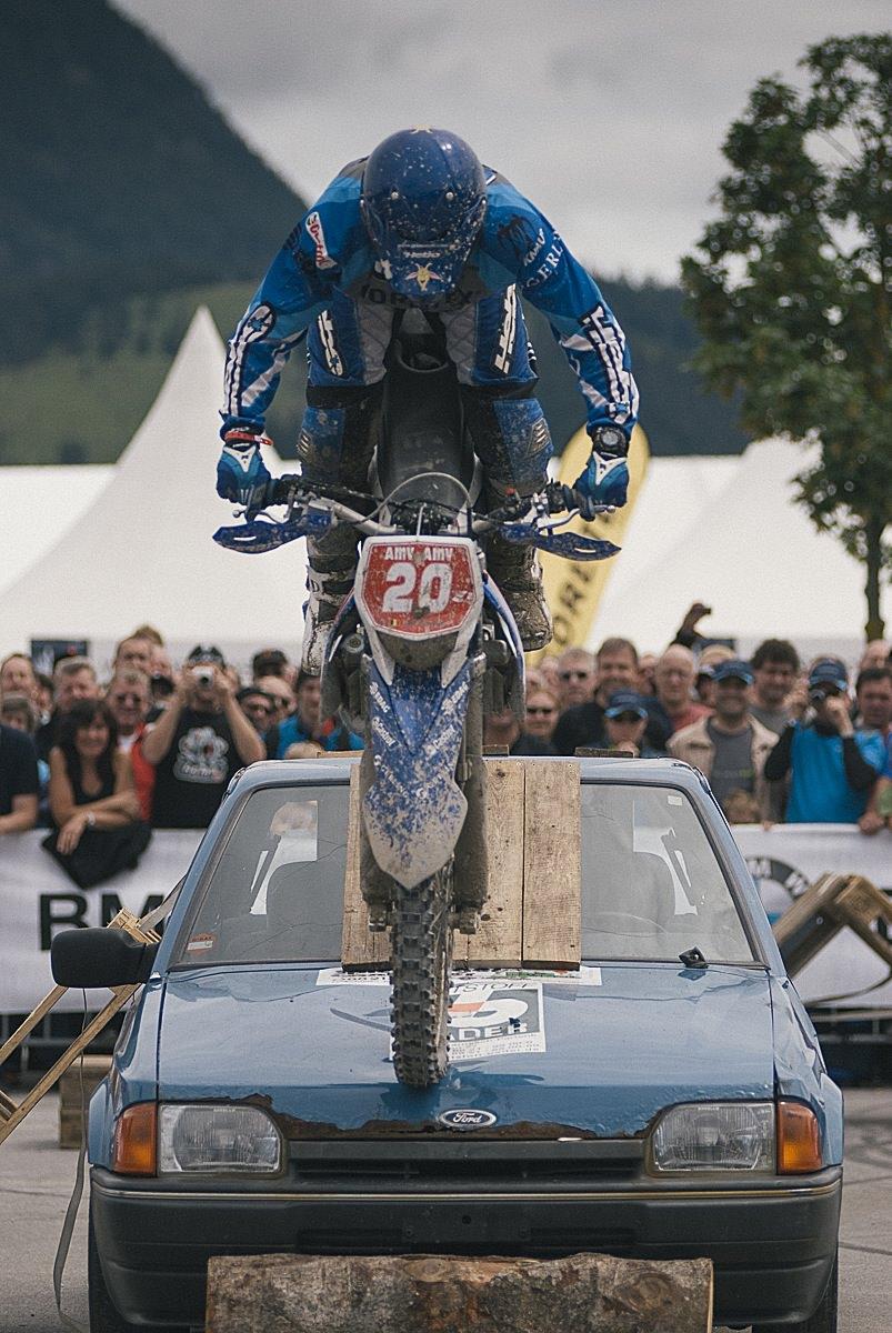 bmw_motorrad-10.jpg