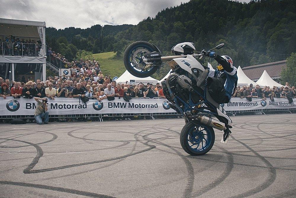 bmw_motorrad-11.jpg