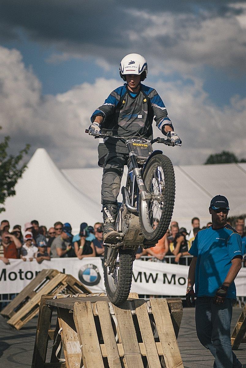 bmw_motorrad-18.jpg