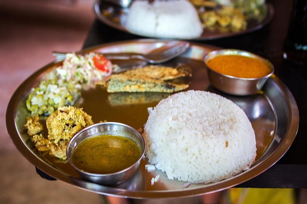 Susegad fish thali