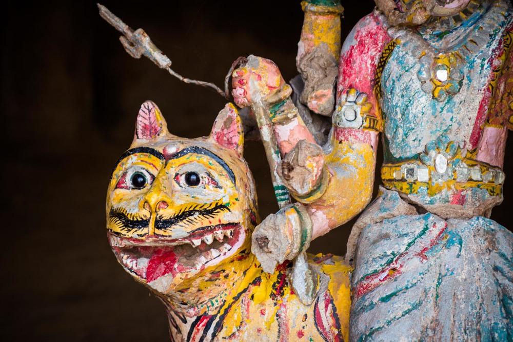 Cave idol detail