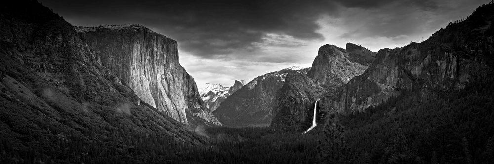 THE YOSEMITE VALLEY - Yosemite National Park, California