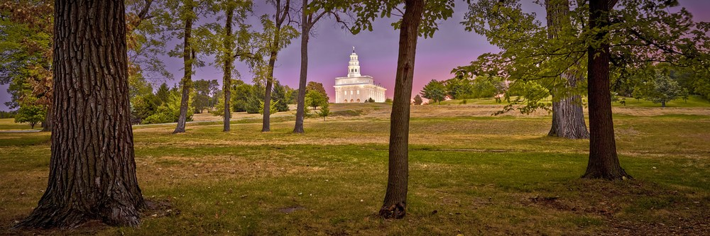 THE MORNING BREAKS - Nauvoo, Illinois
